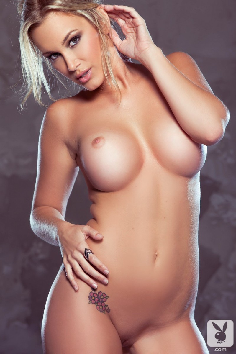 jenni-lynn-glasses-nude-playboy-16