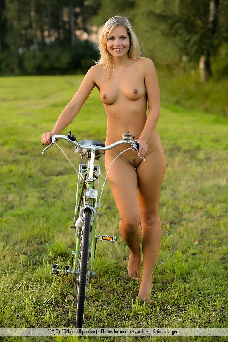 Nude amateur girls on bikes