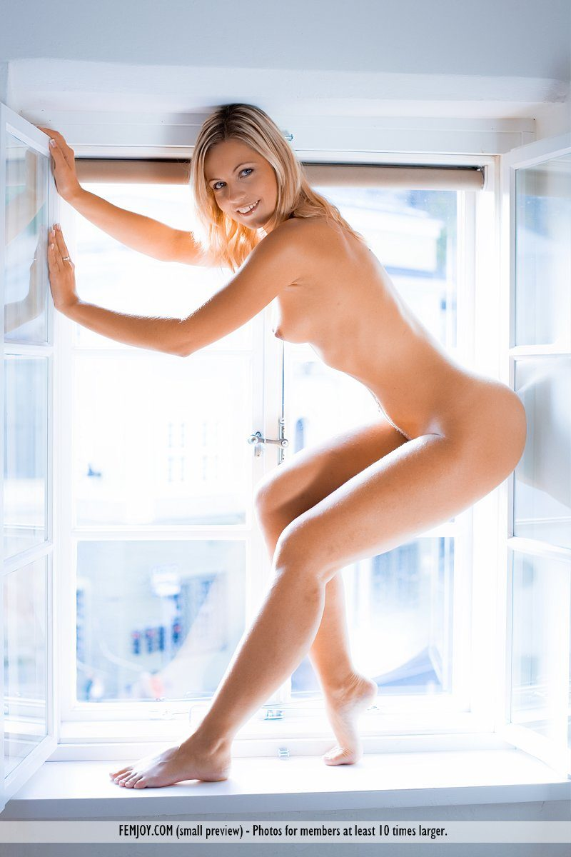 jenni-window-blonde-naked-femjoy-09