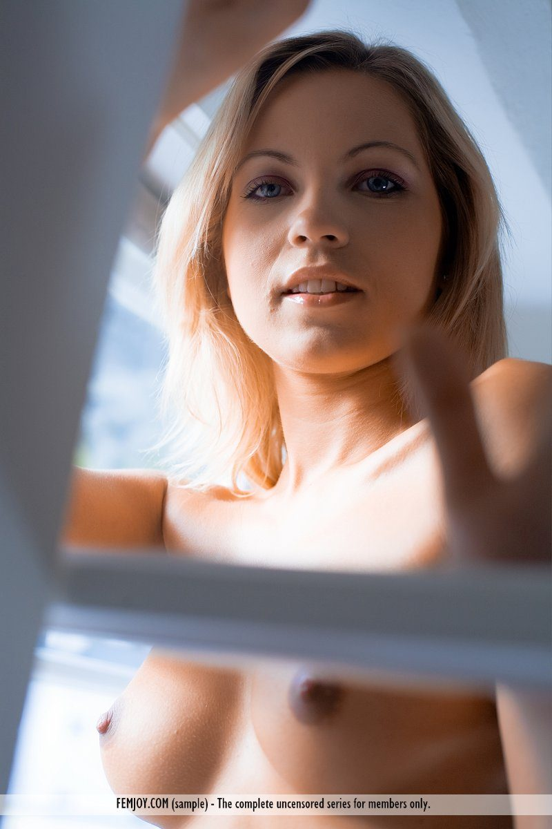 jenni-window-blonde-naked-femjoy-12