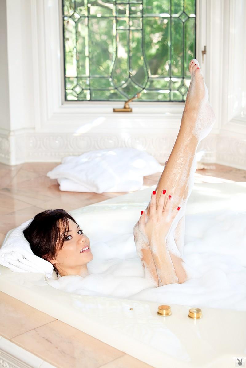 jennie-reid-bath-playboy-28