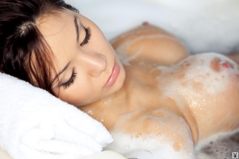 jennie-reid-bath-playboy-30