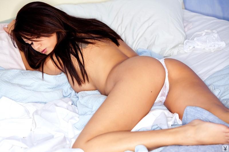 jennie-reid-bedroom-playboy-10