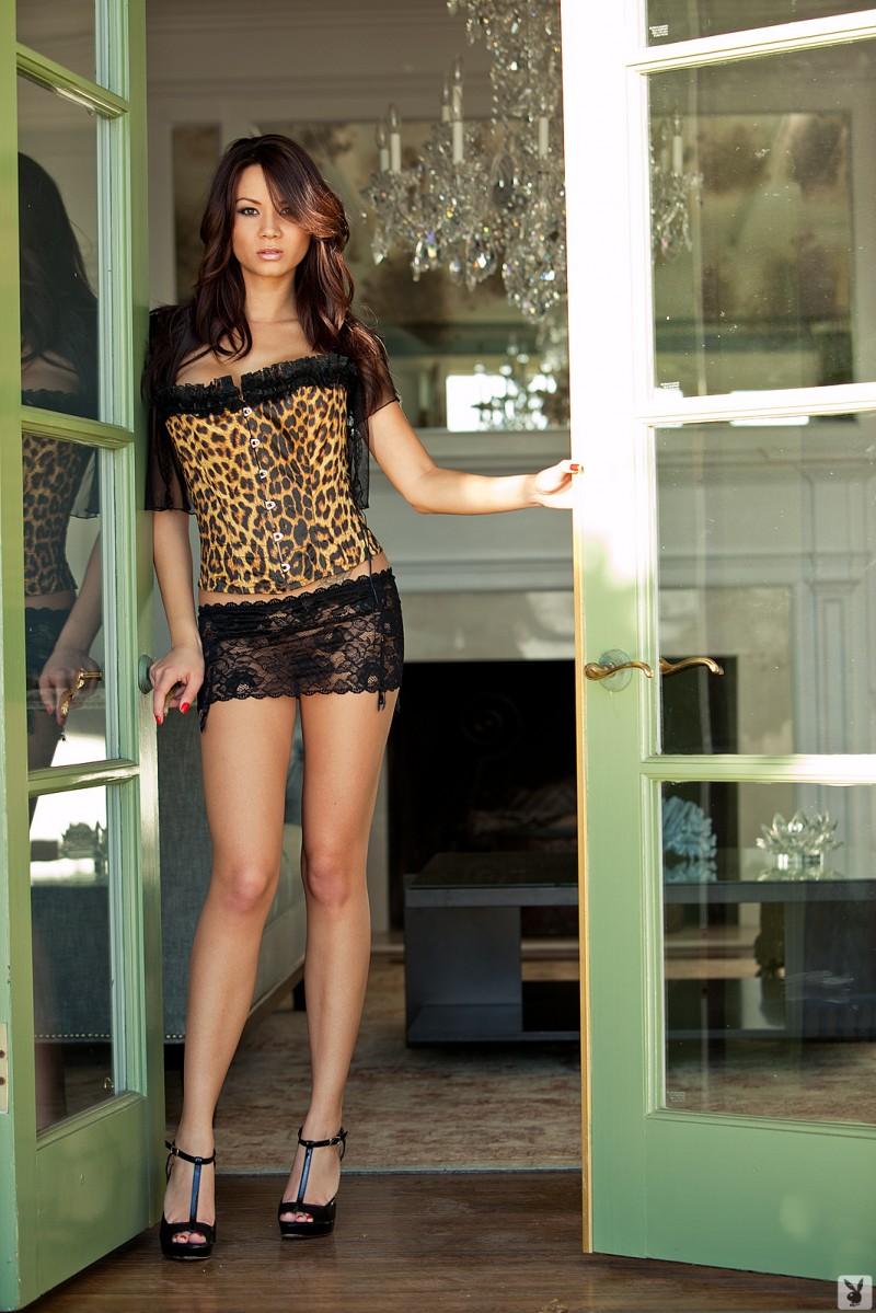 jennie-reid-corset-nude-playboy-01