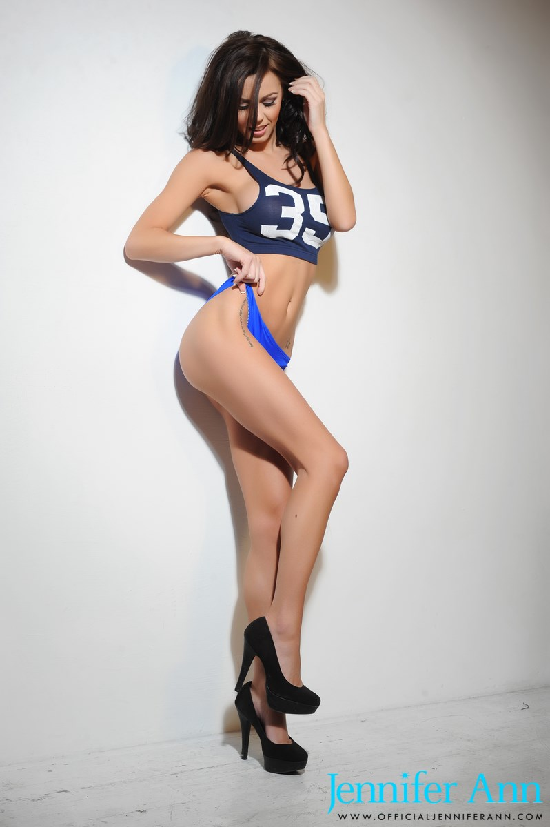 jennifer-ann-boobs-nude-high-heels-03