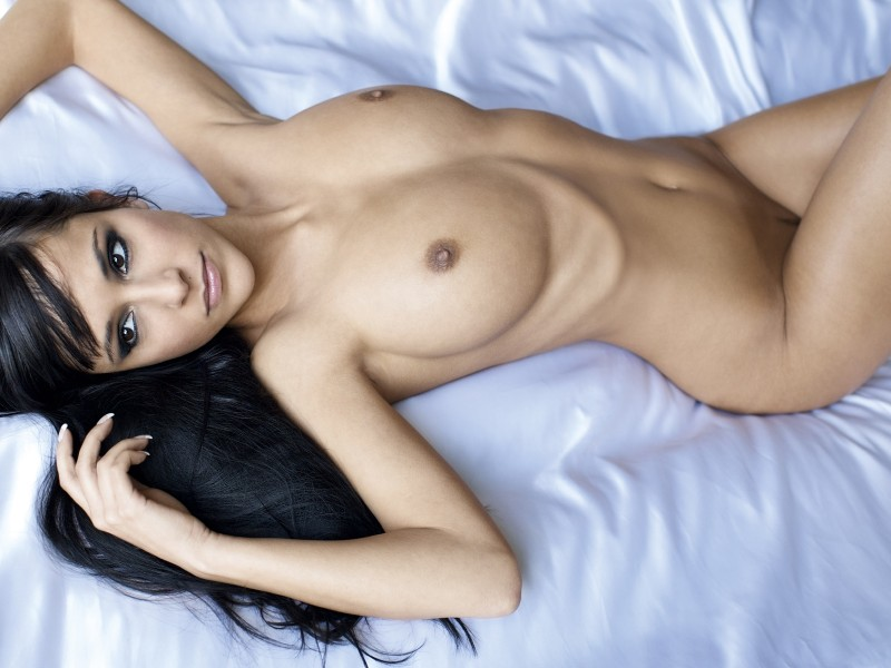 jennifer-henschel-nude-playboy-09