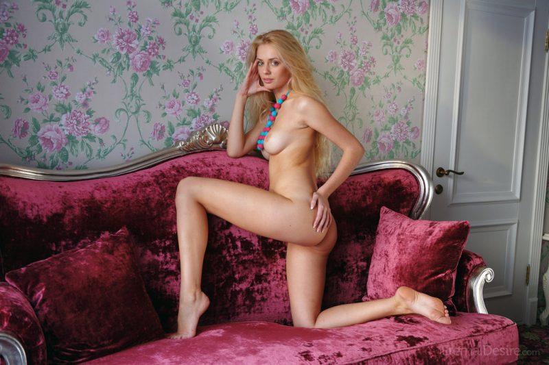 jennifer-mackay-couch-nude-eternal-desire-01
