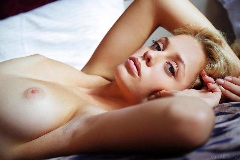 jennifer-mackay-white-fishnet-nude-metart-21