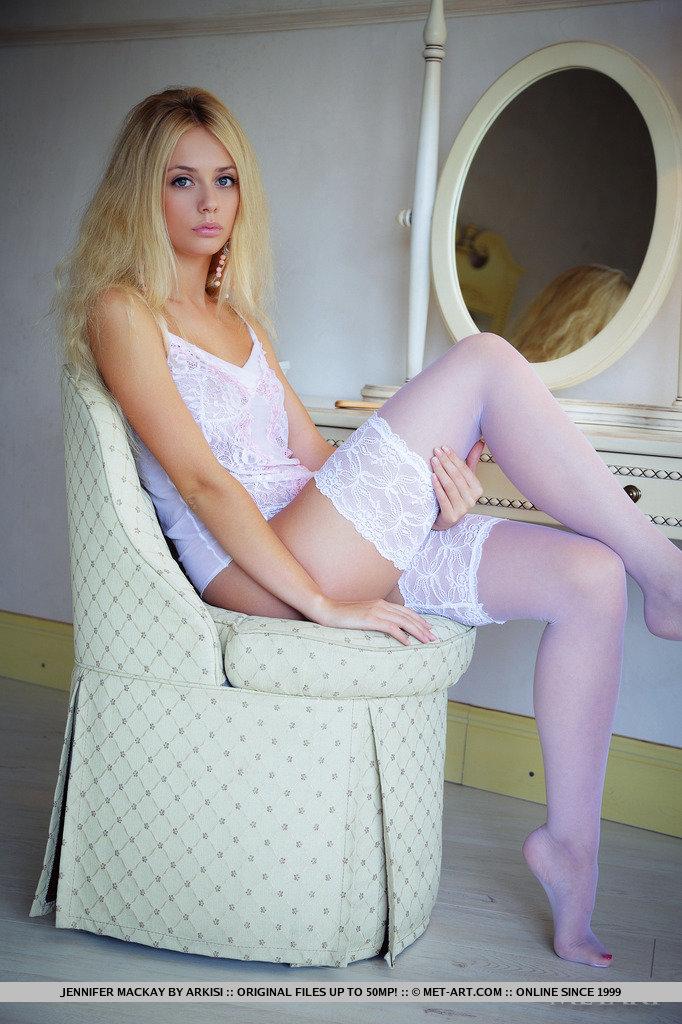 jennifer-mackay-stockings-met-art-02