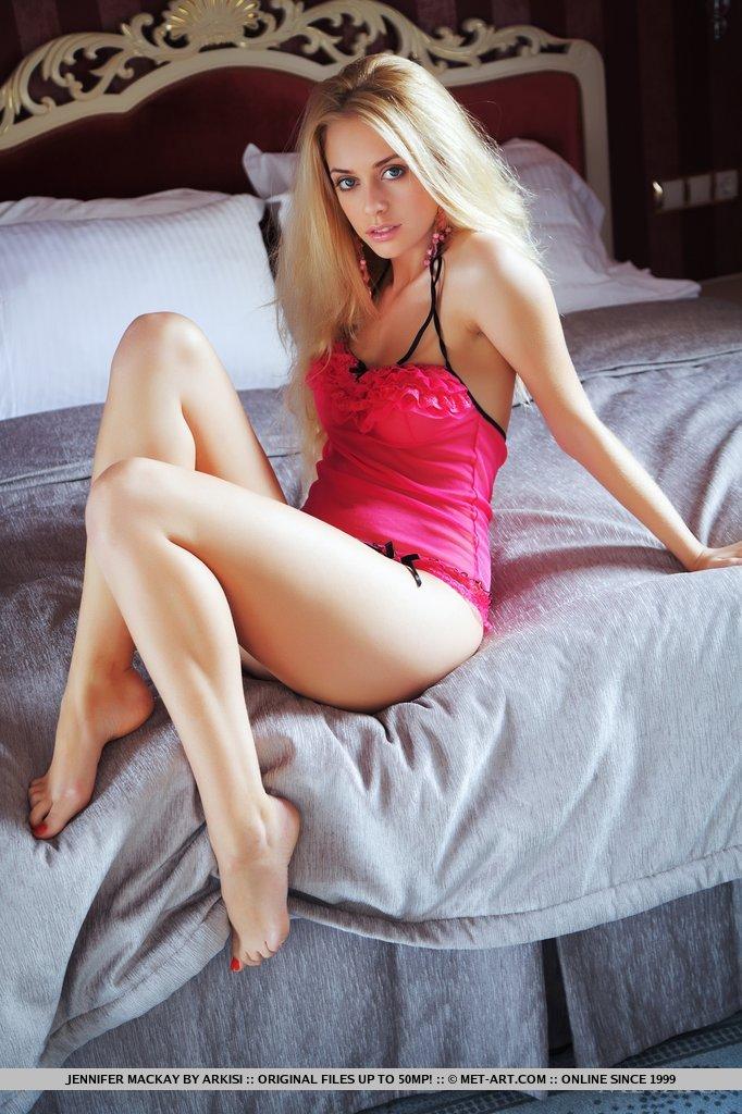 jennifer-mackay-bedroom-nighty-naked-metart-03