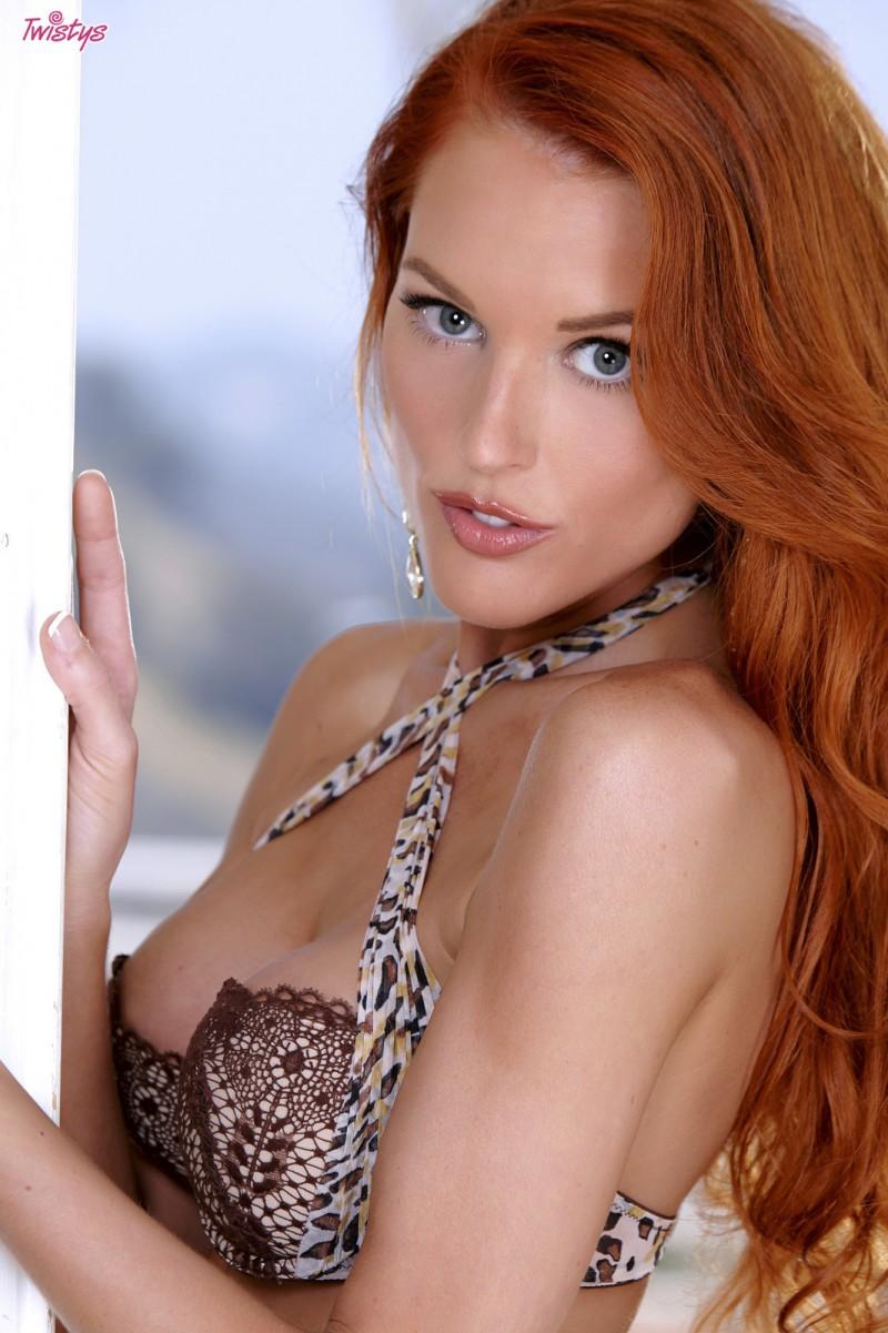 jenny-blighe-lingerie-redhead-twistys-03