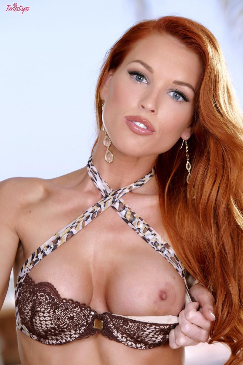 jenny-blighe-lingerie-redhead-twistys-06