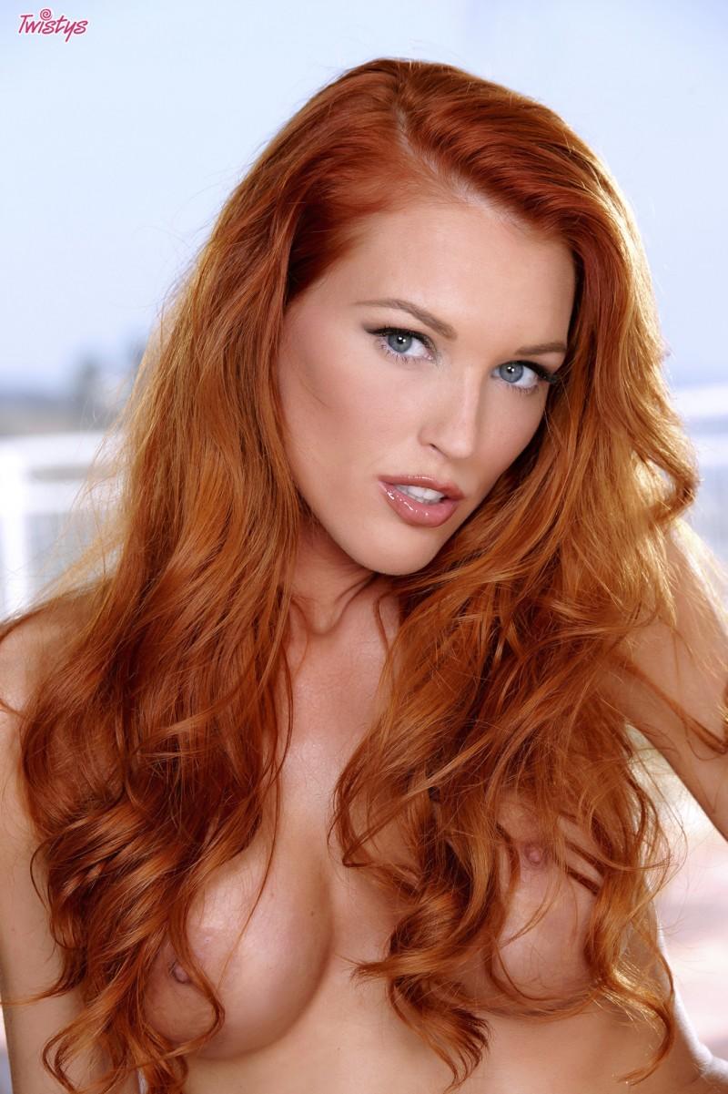 jenny-blighe-lingerie-redhead-twistys-31