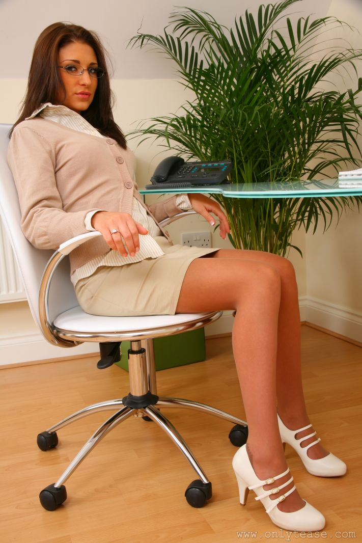 jenny-laird-nude-office-onlytease-02