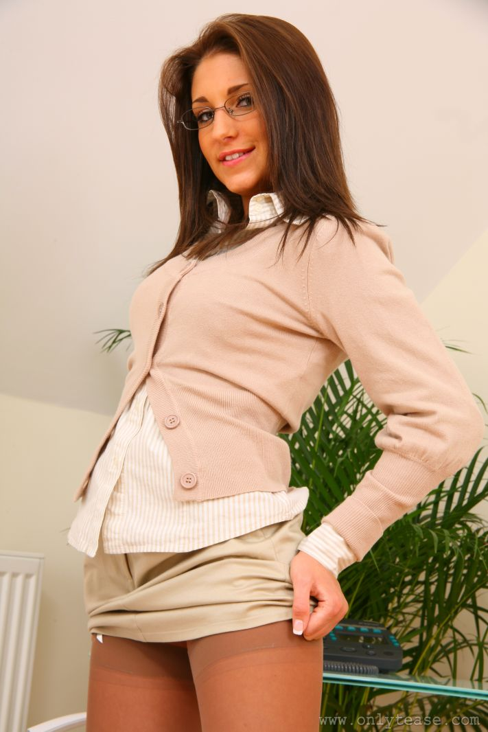jenny-laird-nude-office-onlytease-05