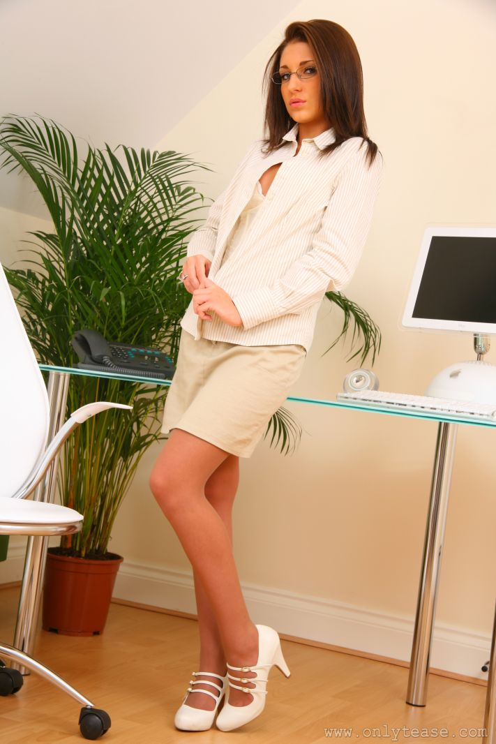 jenny-laird-nude-office-onlytease-09
