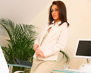 jenny-laird-nude-office-onlytease