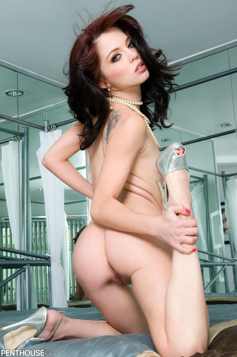 jessi-palmer-nude-pearls-penthouse-09