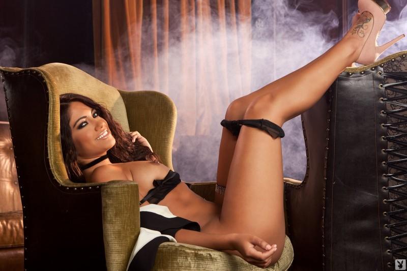 jessica-burciaga-black-lingerie-playboy-10