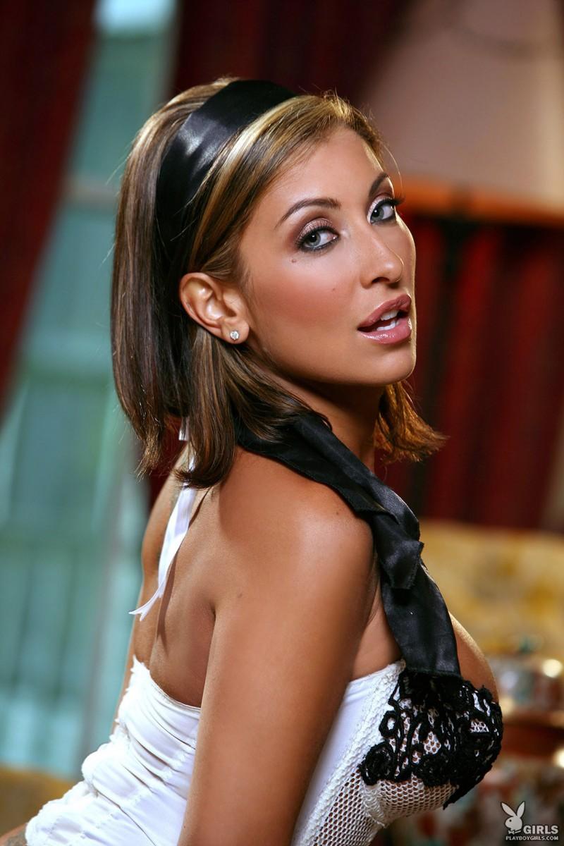 jessica-canizales-corset-stockings-playboy-09