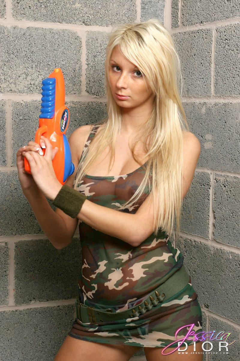 jessica-dior-military-shirt-nude-blonde-01