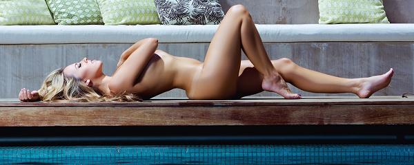 Jessica Hall – Poolside