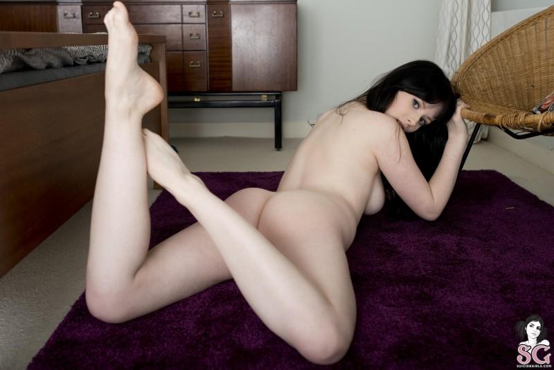 jessica-lou-nude-socks-suicide-girls-27