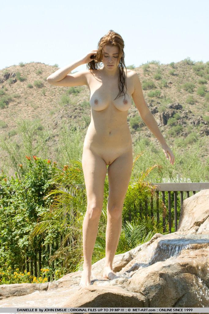 jessica-robinson-garden-waterfall-07