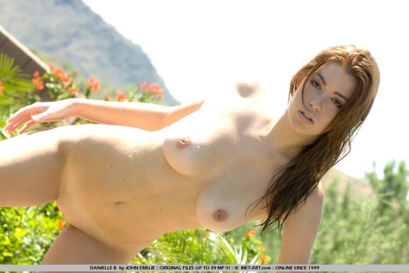 jessica-robinson-garden-waterfall-10