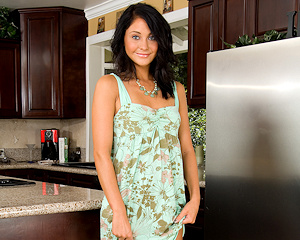 jessica-valentino-young-nude-kitchen