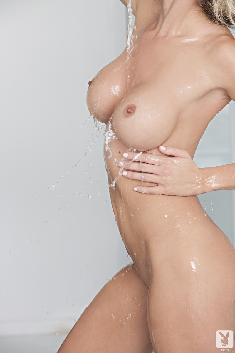 jessie-ann-bath-playboy-08