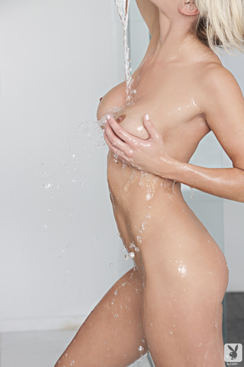jessie-ann-bath-playboy-09