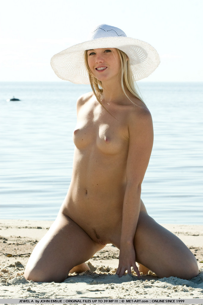 jewel-a-bikini-beach-metart-10