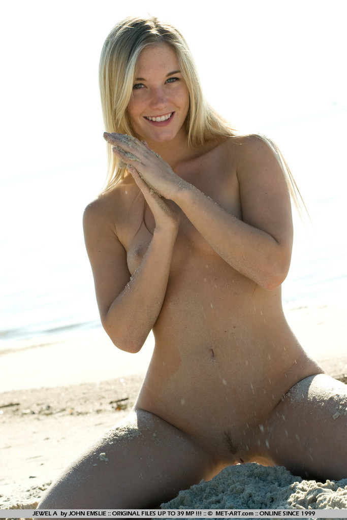 jewel-a-bikini-beach-metart-17