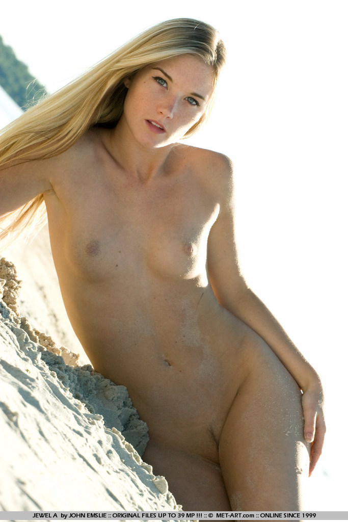 jewel-a-bikini-beach-metart-19