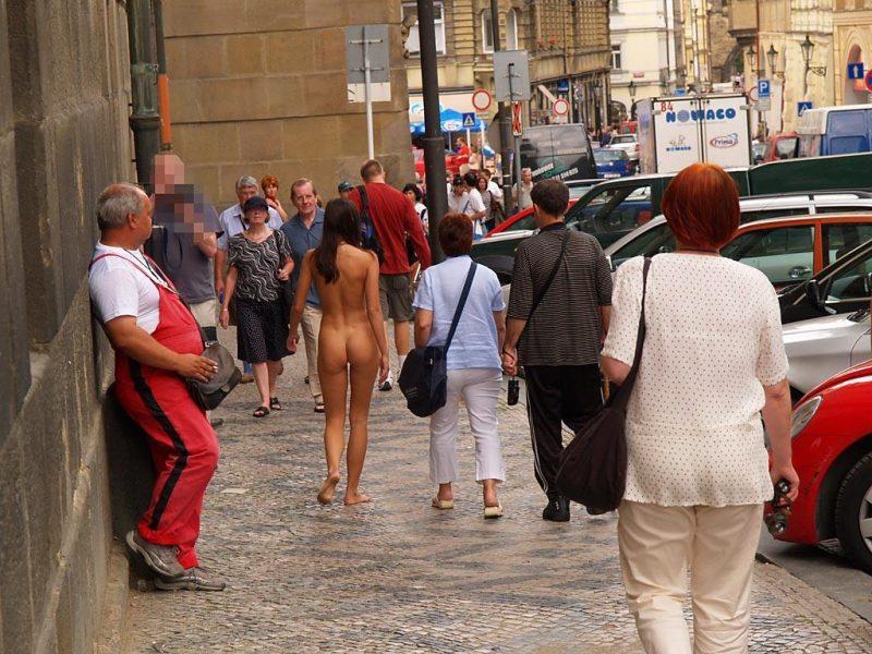jirina-k-nude-on-the-street-of-prague-30