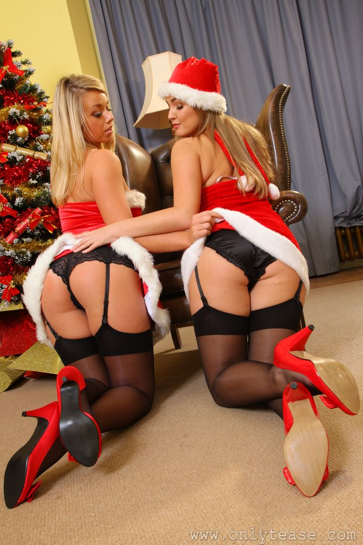 melissa-debling-&-jodie-gasson-xmas-stockings-onlytease-08