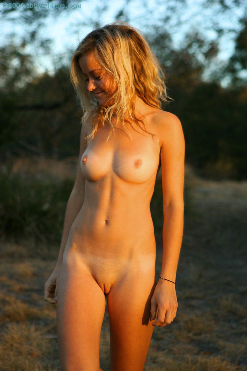 johanna-nude-sunset-abbywinters-16
