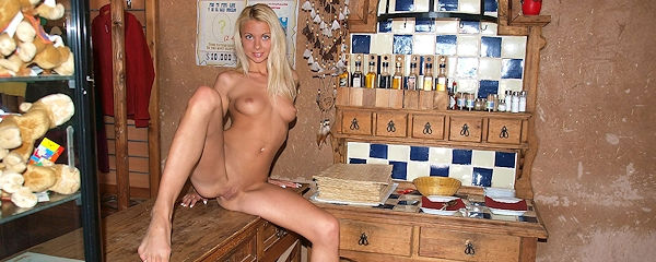 Judita – Naked girl in the bar