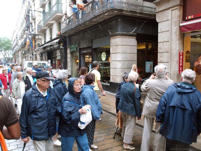 judita-shopping-nude-in-public-19