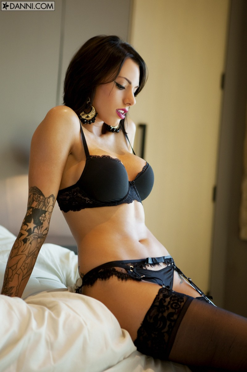 juelz-ventura-stockings-14