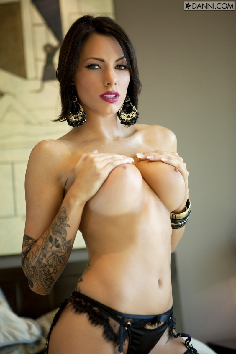 juelz-ventura-stockings-44