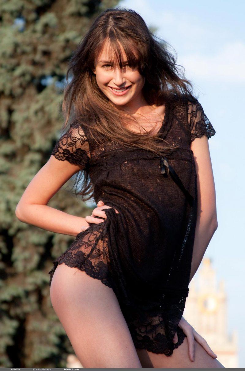 juliette-nude-public-domai-03