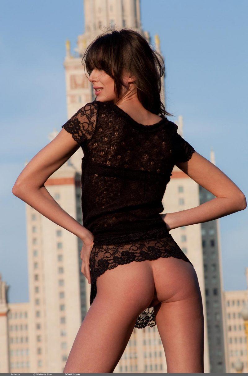 juliette-nude-public-domai-07