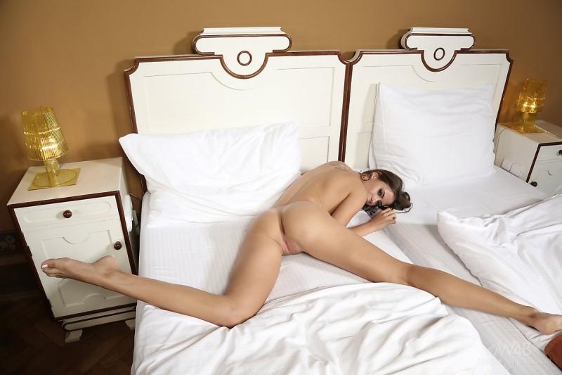 rikku-bedroom-high-heels-watch4beauty-13
