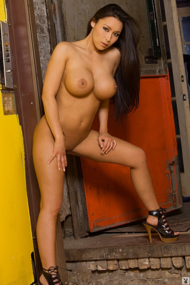 julri-waters-nude-cargo-lift-playboy-24