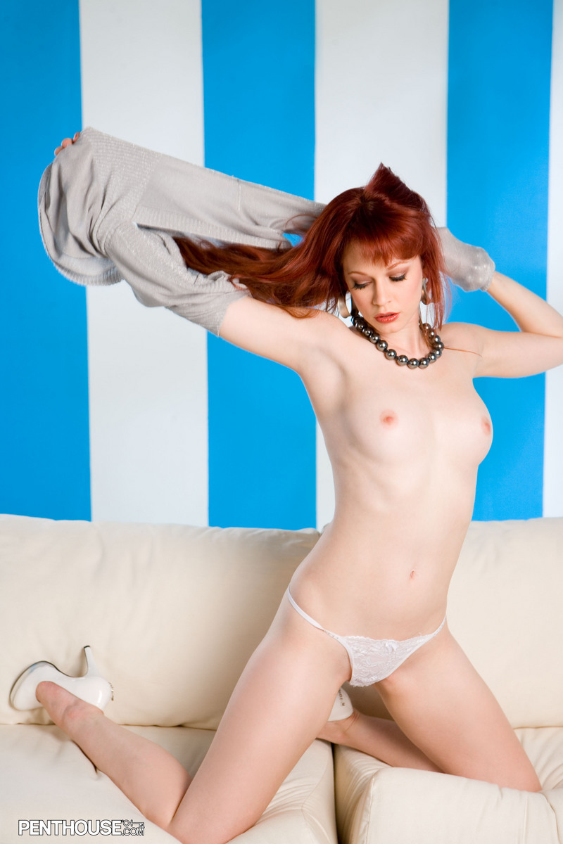 justine-joli-couch-penthouse-10