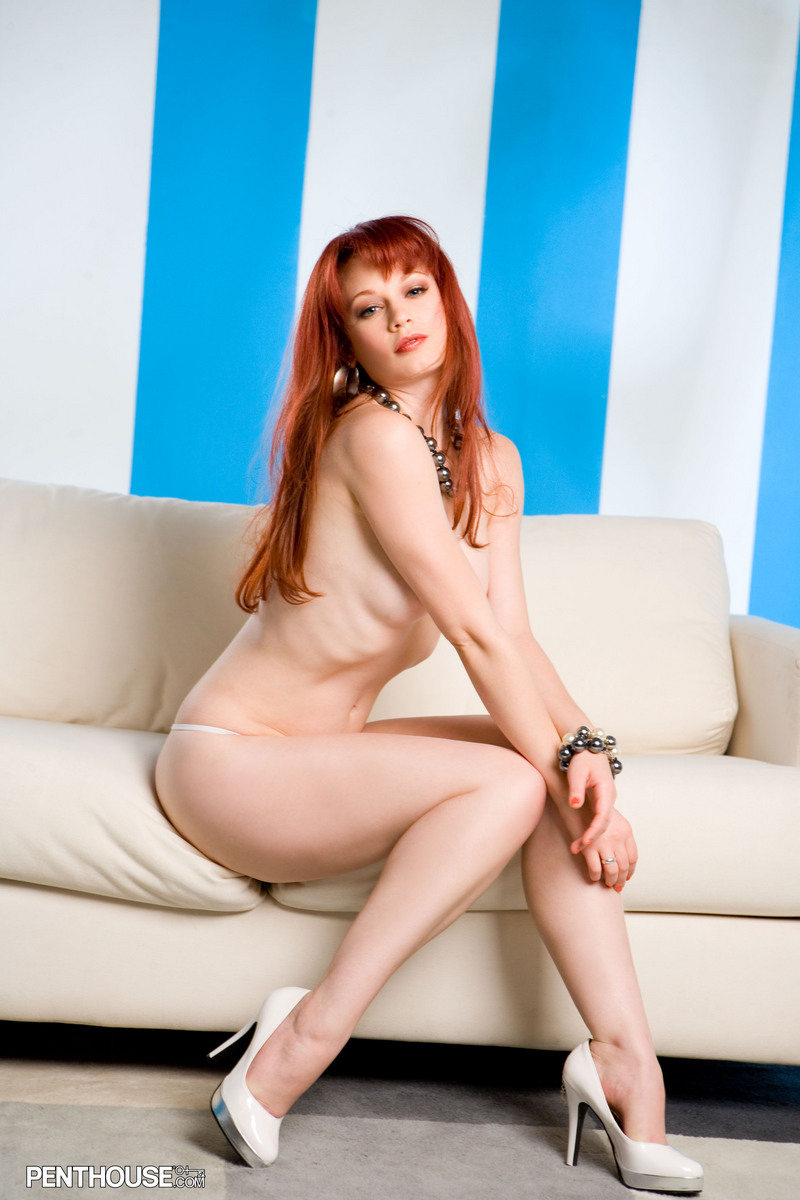 justine-joli-couch-penthouse-13