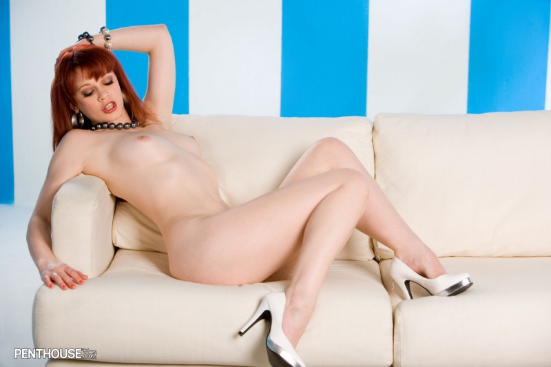 justine-joli-couch-penthouse-18