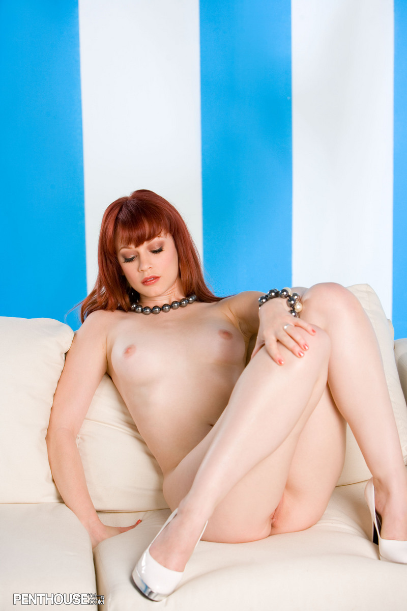 justine-joli-couch-penthouse-23
